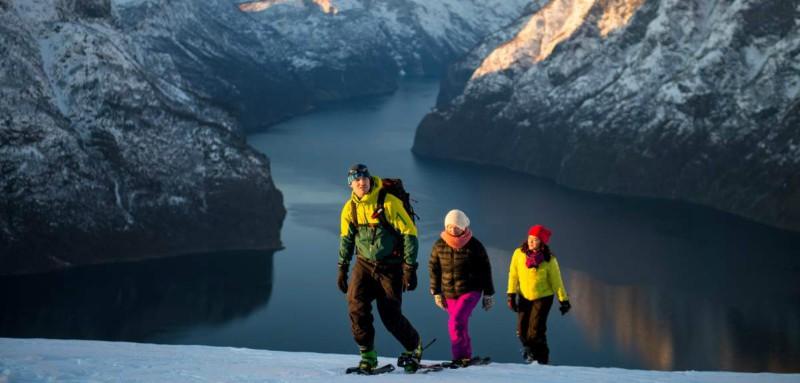 Familia de montañeses noruegos – fiordo de Sognefjord