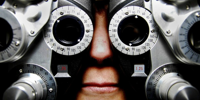 optometrist sight test