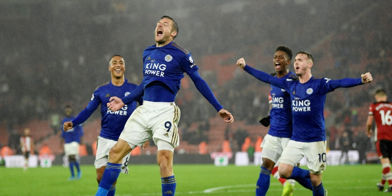 Jamie Vardy and Leicester celebrate their record win at Southampton