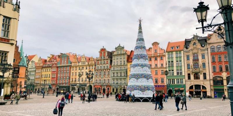 A Polish square at Christmas; Spin Casino Blog