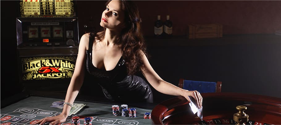 Live Dealer at the Roulette table