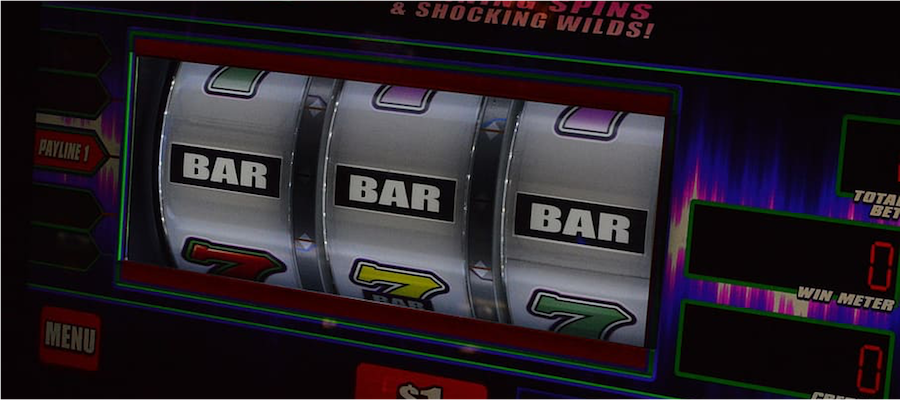 Slots with 3 reels showing Bar