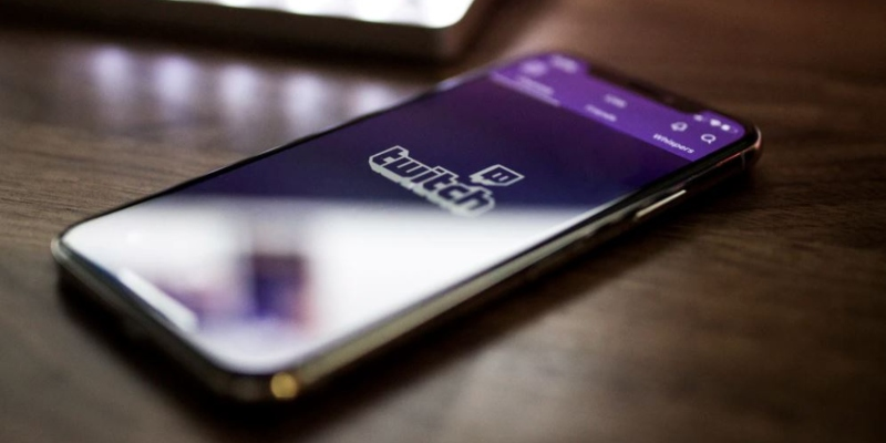 Smartphone with Twitch open; Spin Casino blog