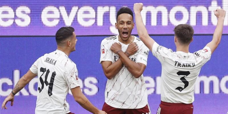 Pierre-Emerick Aubameyang celebrates scoring against Liverpool in the Community Shield