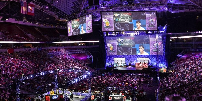 El escenario de KeyArena repleto de espectadores en el torneo «The International 2014»; Spin Sports Blog