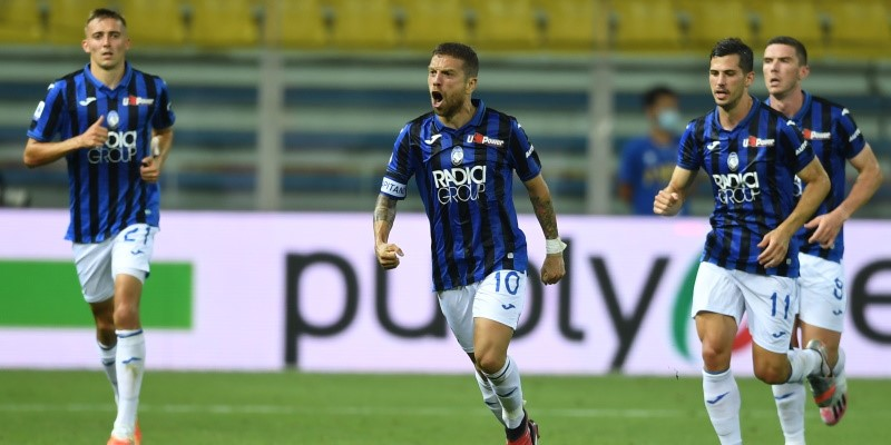 Atalanta talisman Papu Gomez celebrates with his teammates