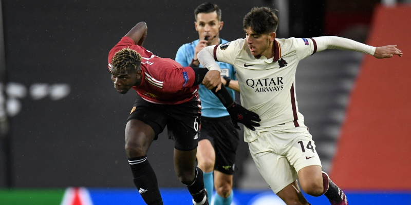 Paul Pogba and Gonzalo Villar in action in the first leg