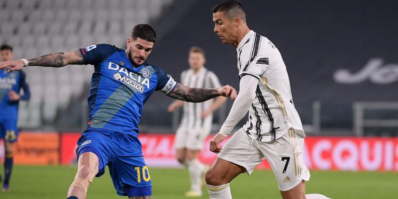 Cristiano Ronaldo takes on Rodrigo De Paul earlier in the season