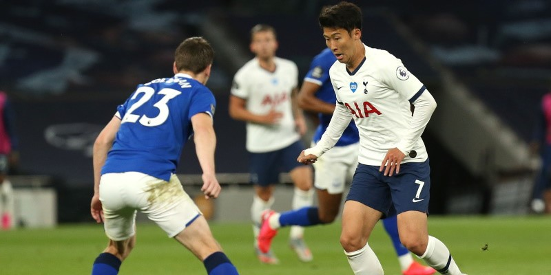 Spurs' Son-Heung Min takes on Everton's Seamus Coleman