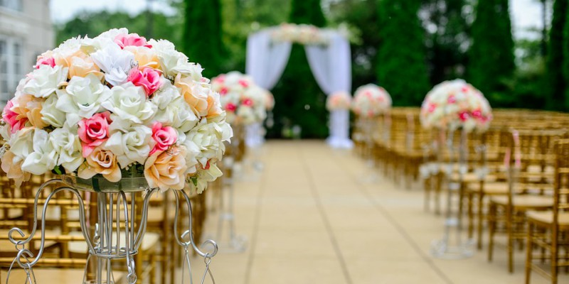 wedding aisle flowers