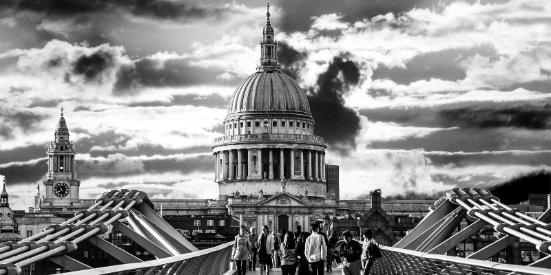 Ruby Fortune Casino: St Paul's Cathedral remembers Newton