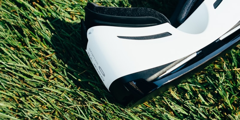 Ruby Fortune Casino: VR headset on grass